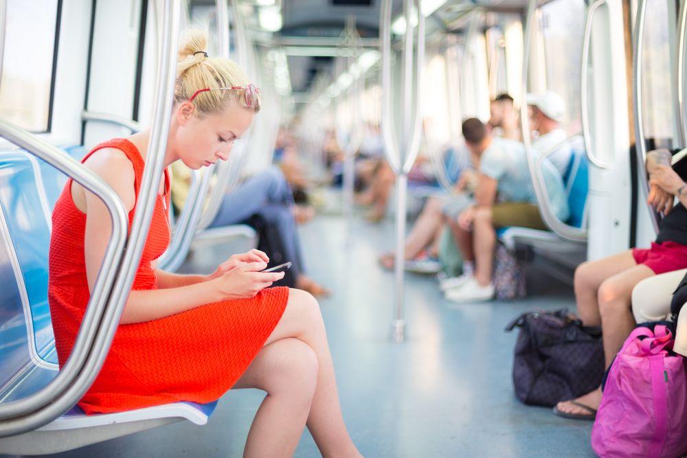 Pros y contras de la lectura en el smartphone… ¿Te gusta para leer?