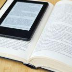 libro en papel y electrónico