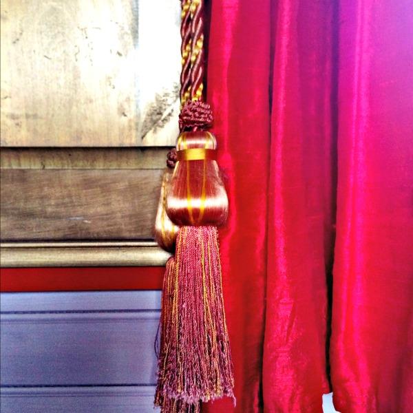 zenaya curtains