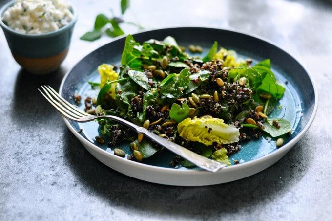 Grøn salat med ærteskud
