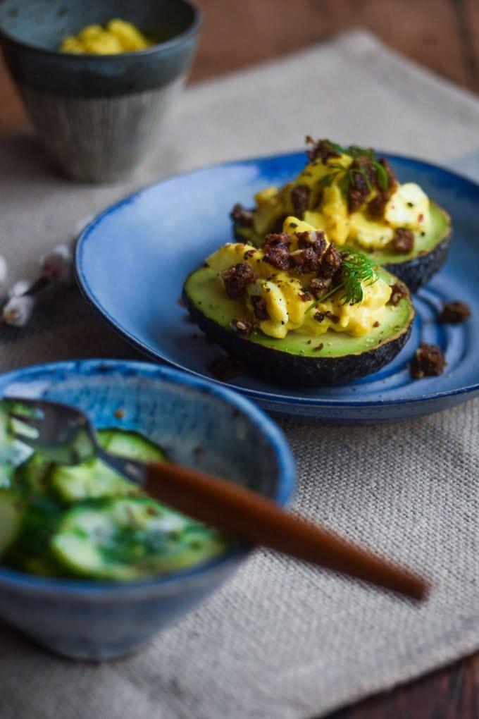 Fyldt avocado til forret