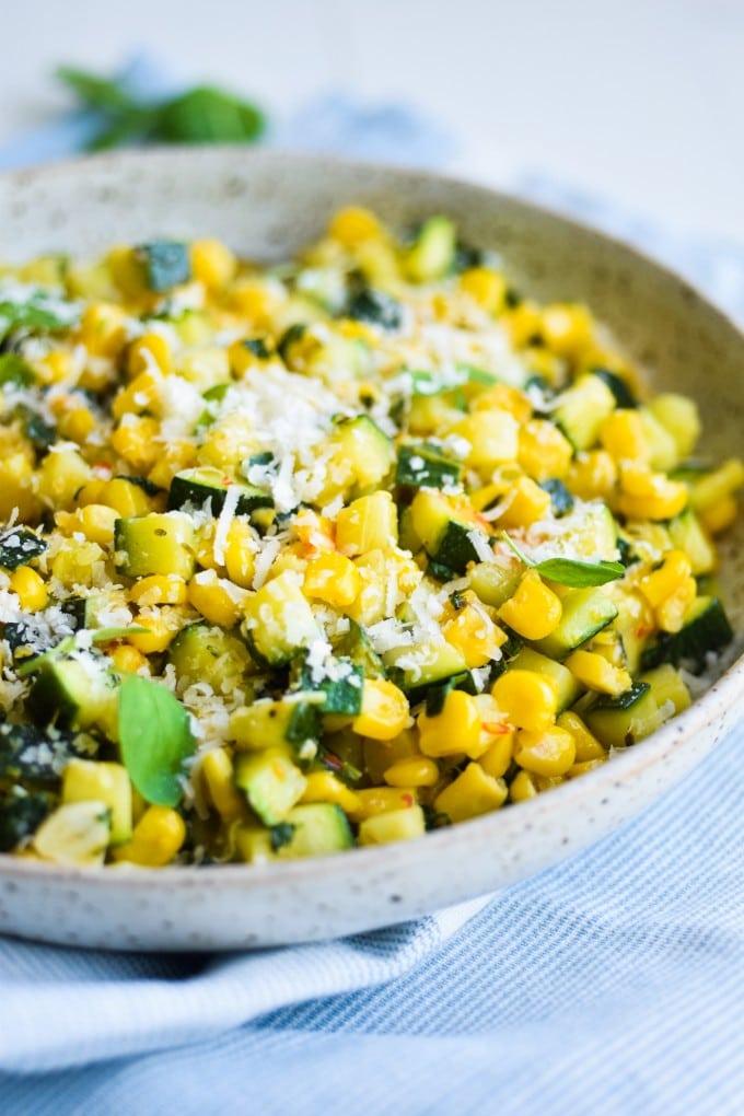 squash salat med majs og chili