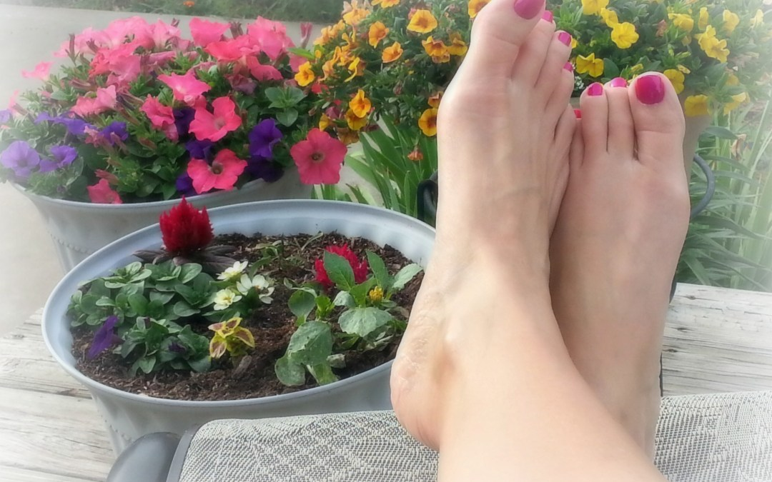 The Perfect At-Home Summer Pedicure