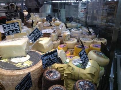 Comptoir de fromages chez Eataly