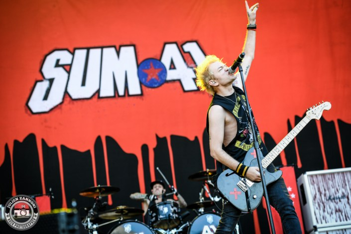 Sum 41 plays at Greenfield Festival 2017