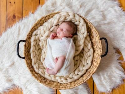 photographie-nouveau-ne-bebe-maternite-toulouse-nouveaune-Julie-Riviere-Photographe