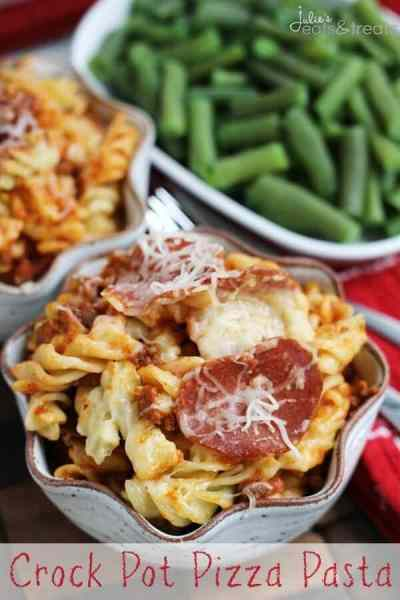 Crock Pot Pizza Pasta ~ Easy Crock Pot Meal Loaded with Pasta, Pizza Sauce, Pepperoni, Hamburger and Cheese!