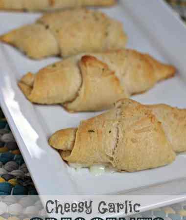 Cheesy Garlic Crescents