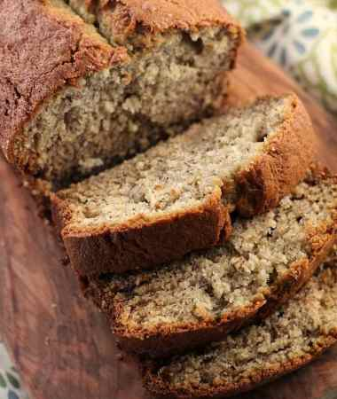 Banana Bread ~ Easy, Traditional Banana Bread Stuffed with Bananas and Deliciously Perfect!