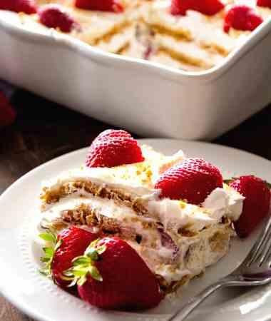 No Bake Strawberry Cheesecake Icebox Cake Recipe