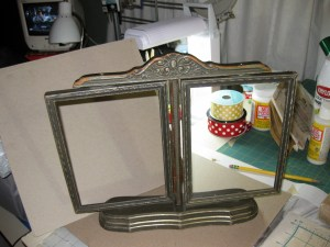 """antique"" frame"