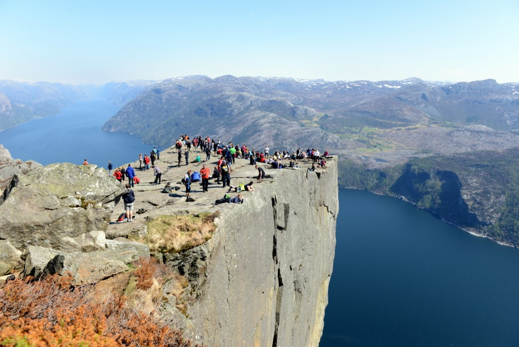 A crowded day at the Pulpit Rock