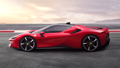 Photo of Ecco la SF90 Stradale: la prima Ferrari ibrida da mille cavalli