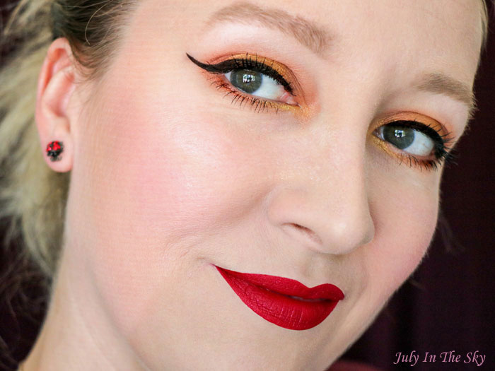 blog beauté trio dare to dazzle dose of colors scarlet lace swatch