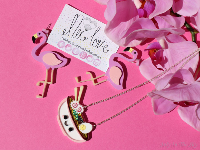 blog beauté FromNicLove collier pendentif ramen flamant rose boucles oreilles