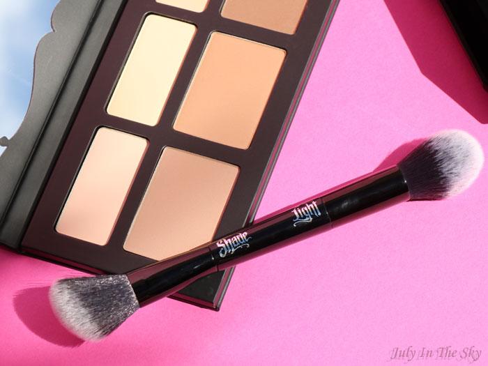 blog beauté kat von d shade + light contour palette brush