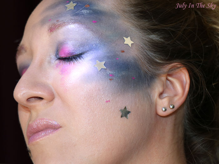 July In The Sky : blog beauté monday shadow challenge galaxy blue