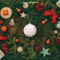 Reemplaza el contenido de la bola navideña por lo que quieras
