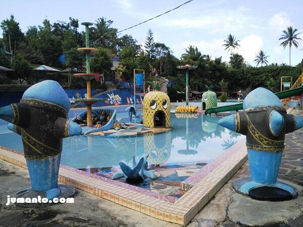 gambar kolam renang tema buah di butterfly waterpark gisting
