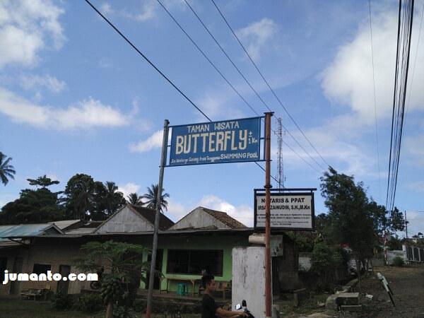 papan penunjuk arah menuju butterfly gisting tanggamus