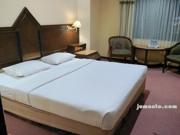 foto fasilitas kamar hotel rauda pekanbaru