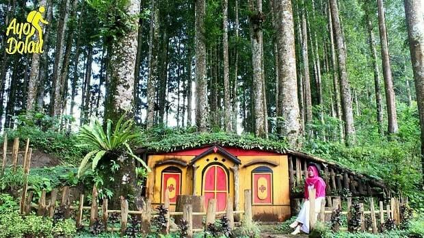 foto wisata kampung kurcaci purbalingga jawa tengah