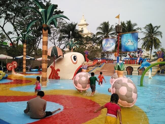 foto waterpark citragarden lampung