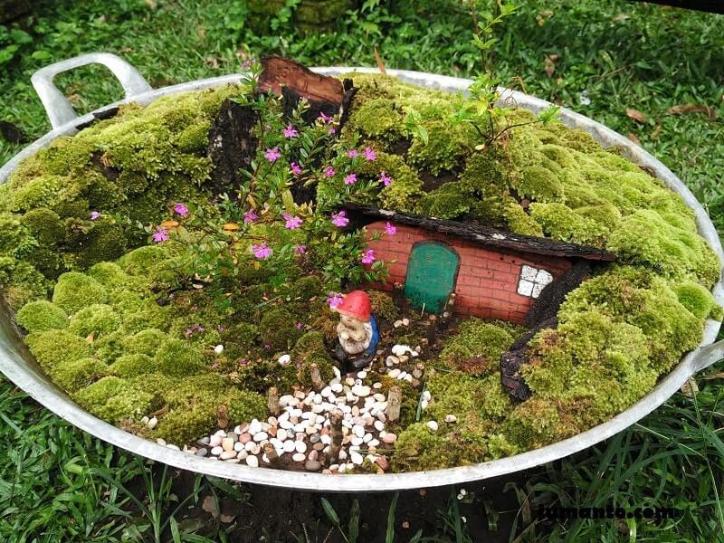 rumah hobbit mini dalam wajan