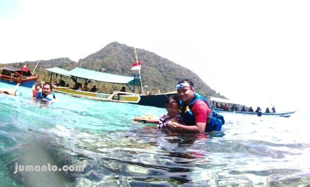 foto menikmati pulau pahawang