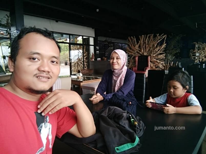 cafe summit bistro lampung