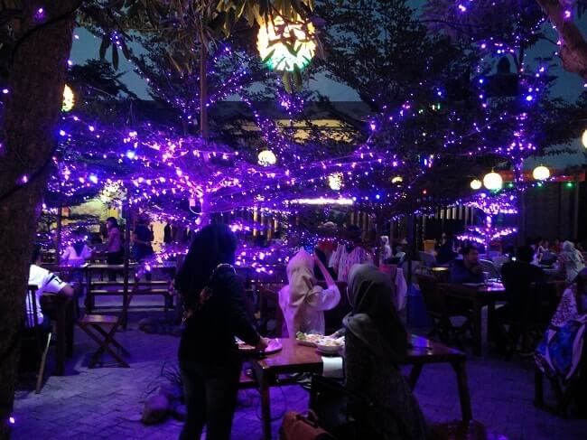 tempat dinner romantis di lampung walk