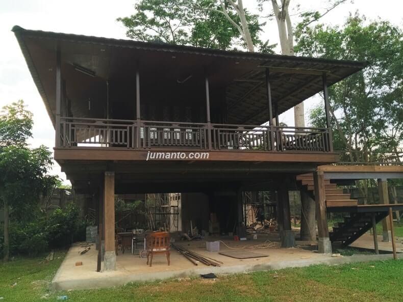 foto rumah adat di rumah kayu lampung