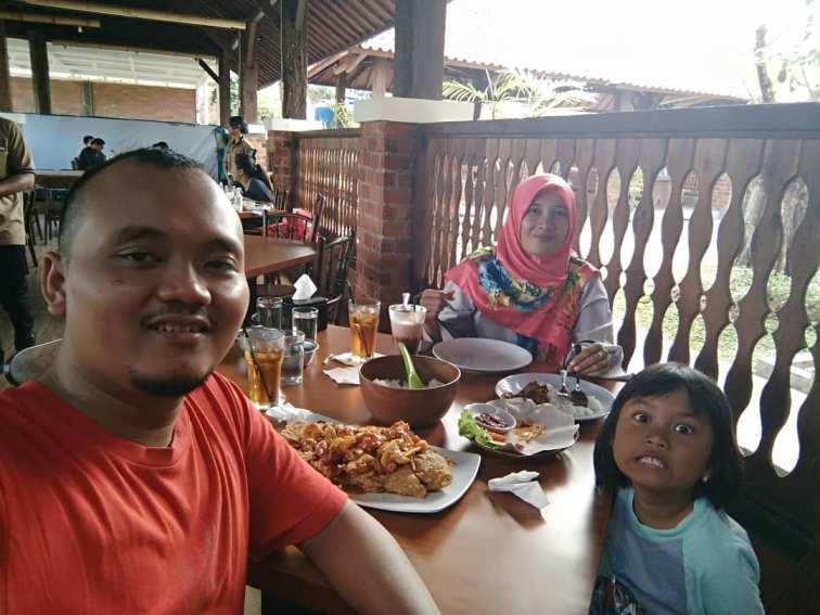 5 Rumah Makan Keluarga Di Bandar Lampung Terbaik Dan Terenak