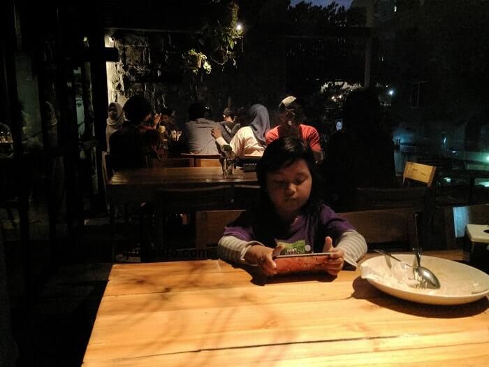 Lieps Cafe Cocok Buat Tempat Nongkrong Di Malam Hari