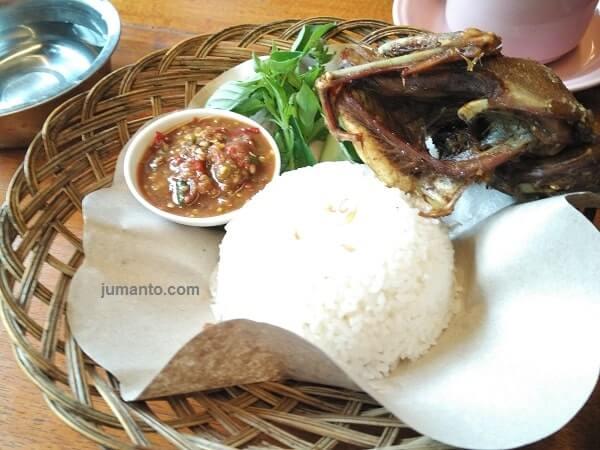menu bebek goreng warung joglo