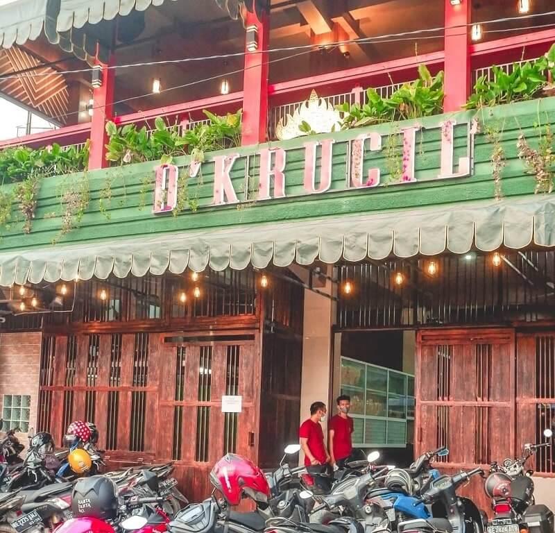D'Krucil Cafe & Resto Lampung, Tempat Makan Dengan View Bagus