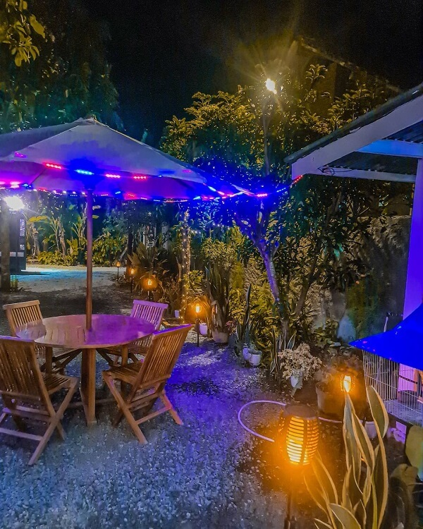 cafe diamond, tempat makan malam romantis di lampung barat