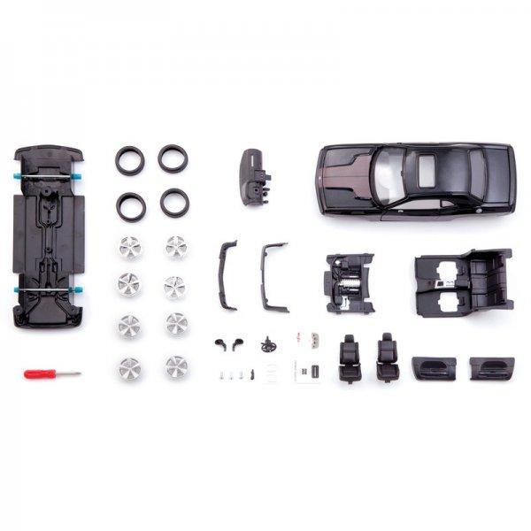 Maisto 2008 Dodge Challenger SRT8 Assembly Line Metal Kit