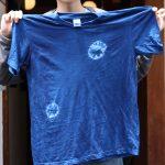 藍染したTシャツ
