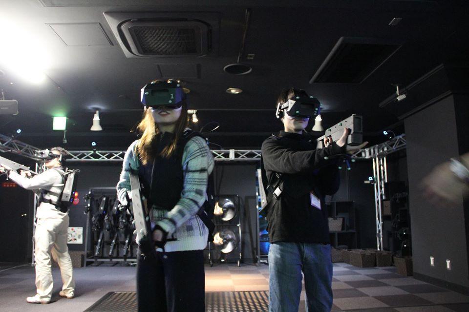 VRでガンシューティング