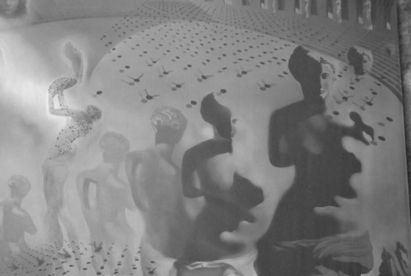 Ausschnitt aus einem Bild von Dali. Zu sehen sind die Torsen von Frauenstatuen