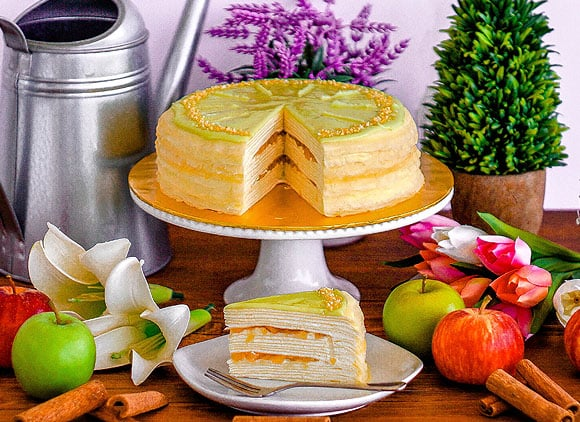 Front View_Cinnamon Apple Mille Crepe_Whole&Sliced