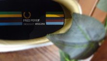 【FRED PERRY レザースニーカー】