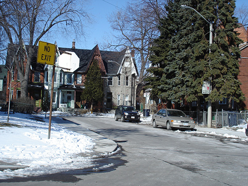 Harvard Ave, a ave with houses at the dead end... wonderful