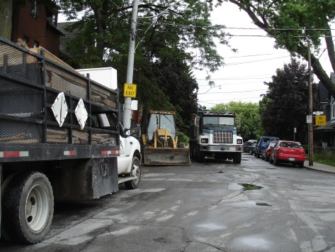 city-contractors-continue-workjune-30-09-001