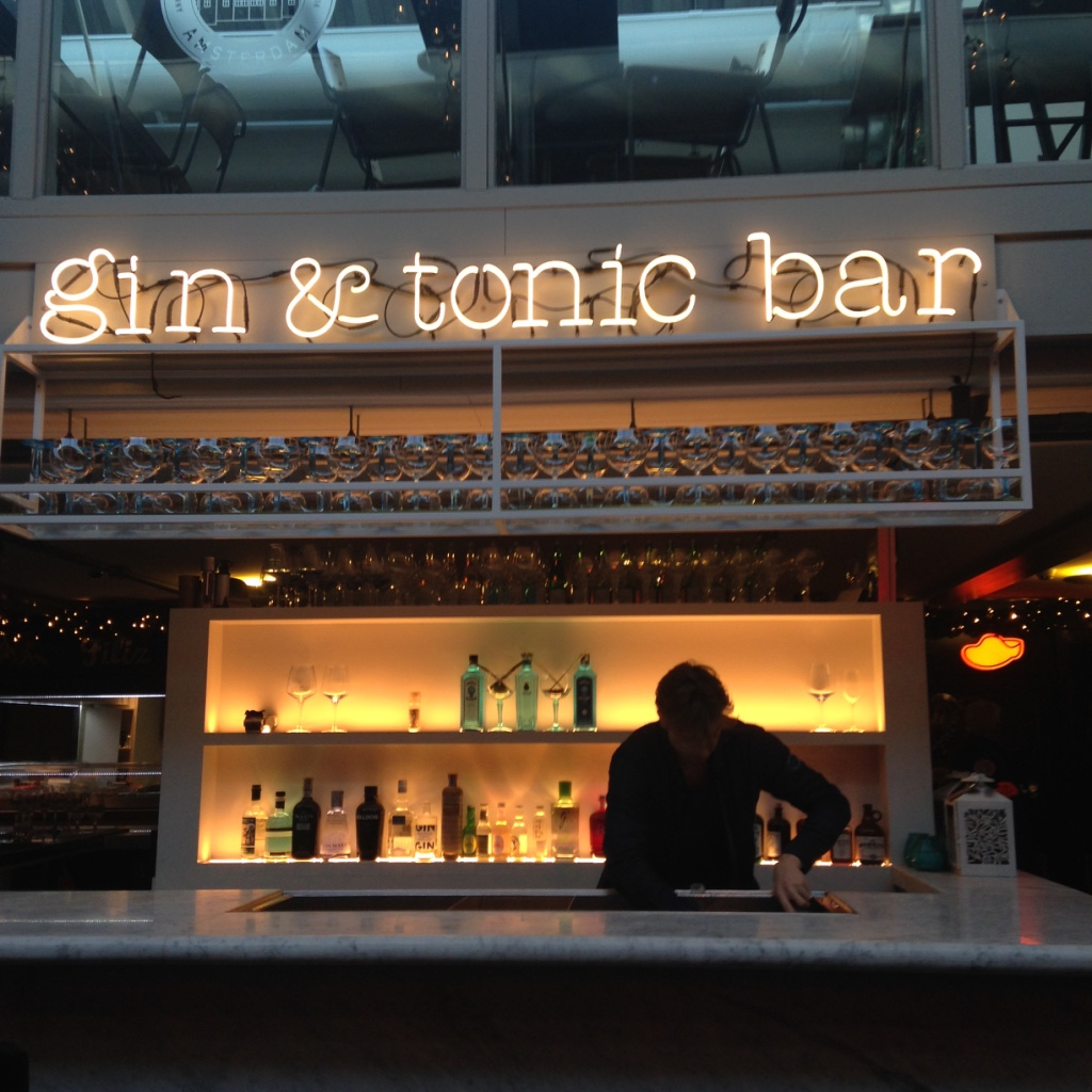 gin tonic bar