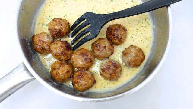 Greek Avgolemono Sauce: the perfect companion for these lamb meatballs!