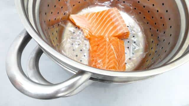 Classic beurre blanc recipe: a French butter sauce for salmon... highly delicious in combination with boiled potatoes and sauerkraut!