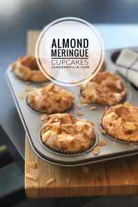 Leftover egg whites in your fridge? Then you can make almendrados! These crunchy Spanish meringue cupcakes with toasted almonds are a sweet delight.