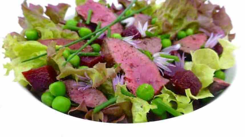You are going to love this easy chicken liver salad with green peas, cooked beetroot, crunchy lettuce and a chives dressing...